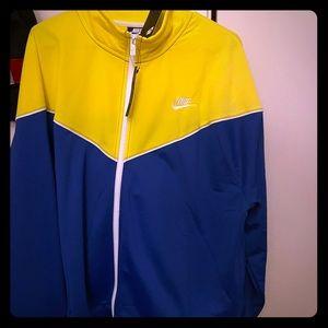 Women's Nike jacket- plus size